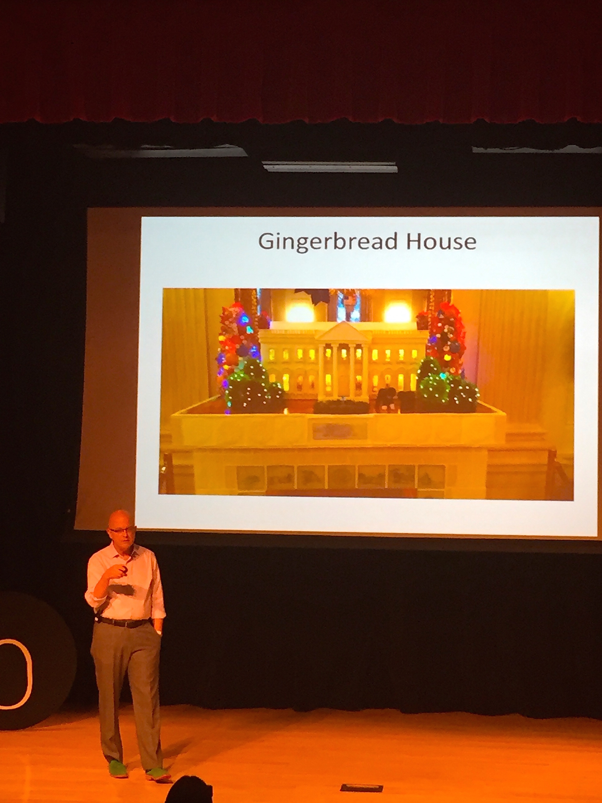 Former White House pastry chef Bill Yosses presents the ultimate gingerbread house, and how he took his career in the Capitol to educating kids in NYC.