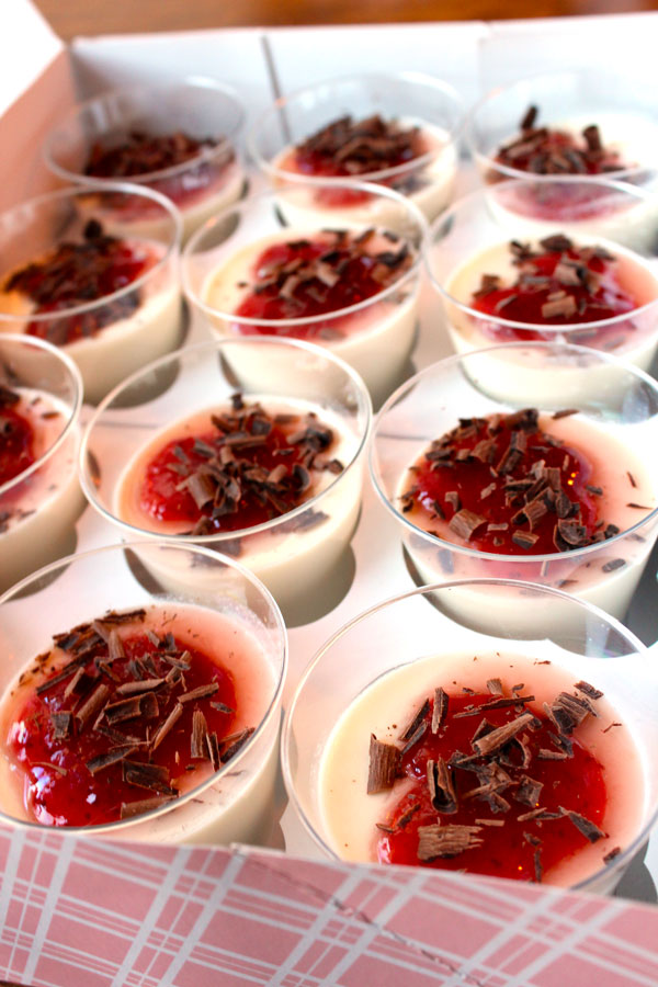 Panna Cotta | give up on the chocolate cliche with this easy Italian dessert